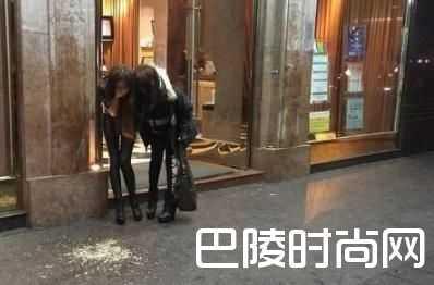 3d肉蒲团演员 艳星蓝燕醉倒街头3D肉蒲团和权老实水中大战竟真做