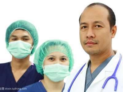 李敏镐侧脸照片 要想促进全民健康的制度体系完善